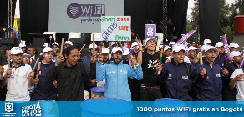 Imágen asistentes al punto 1000 de internet gratis en Bogotá