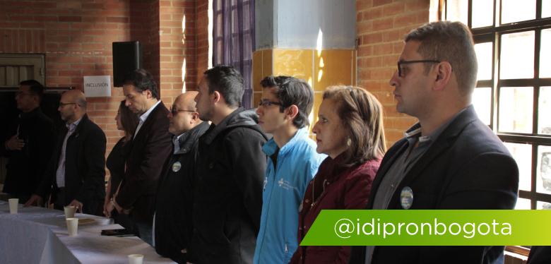 Director y funcionarios del IDIPRON en rendición de cuentas