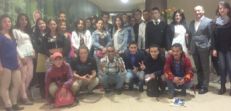 Veintidós egresados de Idipron se vinculan laboralmente en programa de Distrito Joven