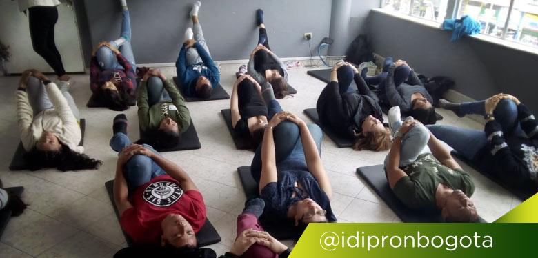 Funcionarios en sesión de ejercicio