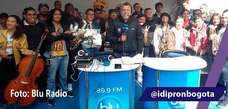 Jóvenes en nota de radio con blu radio conservatorio Javier De Nicoló
