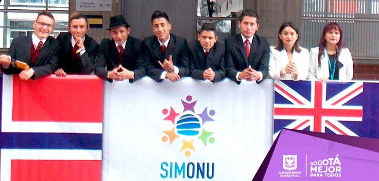 Jóvenes IDIPRON en simonu Bogotá 2018