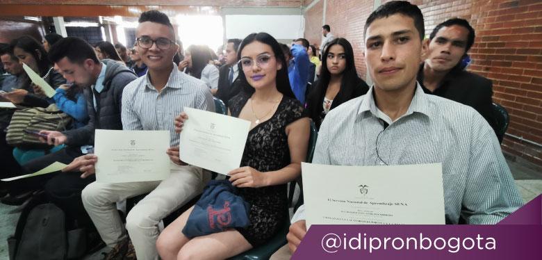 Jóvenes participantes en programas de convenio con el SENA