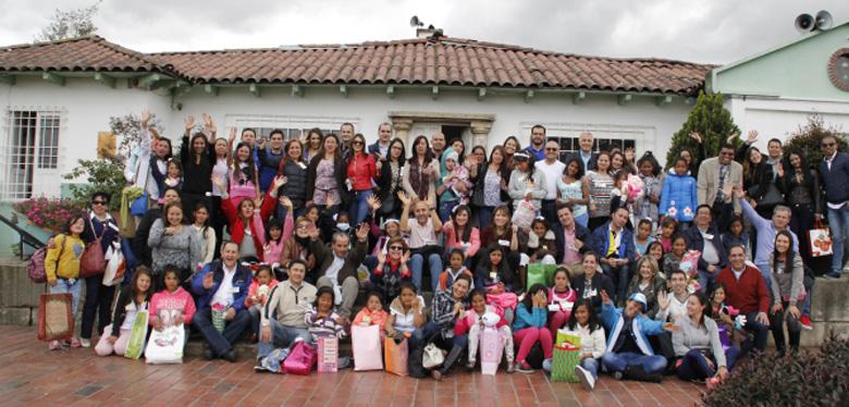 Niñas de la Unidad Arcadia, en jornada con funcionarios de Alcaldía Mayor de Bogotá