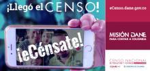 Jóven presentando a través de su celular el censo nacional 2018