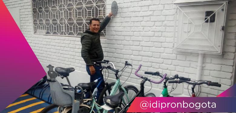 Subdirector en cicloparqueadero calle 63 sello plata